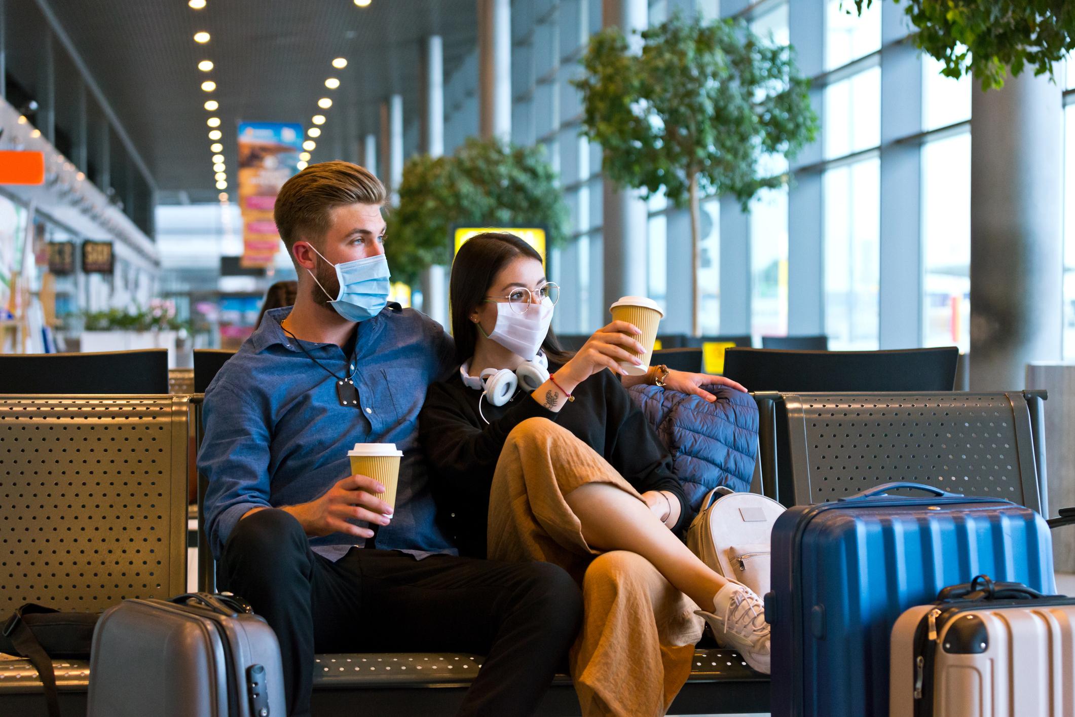 旅行前须知:冠状病毒疾病(COVID-19)和假日旅行